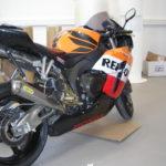 Motorradfolierung orange, weiß, rot