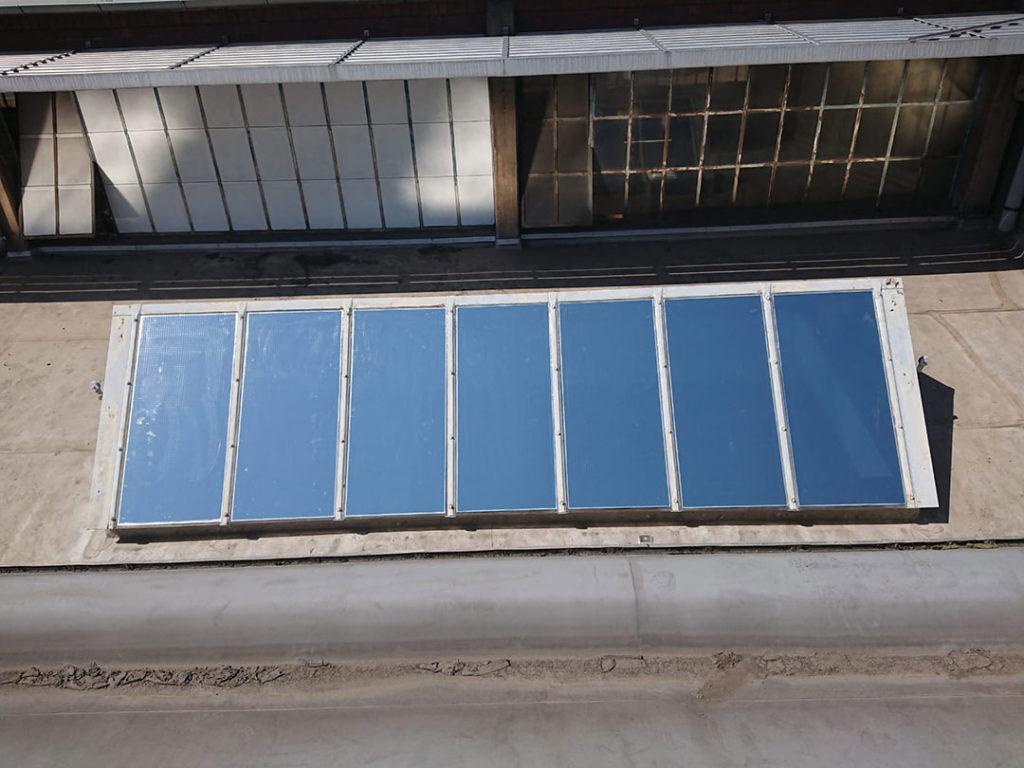 Sonneschutzfolie für Dachfenster mit Drahtglas