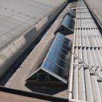 Dachfenster mit Folie als Sonnenschutz