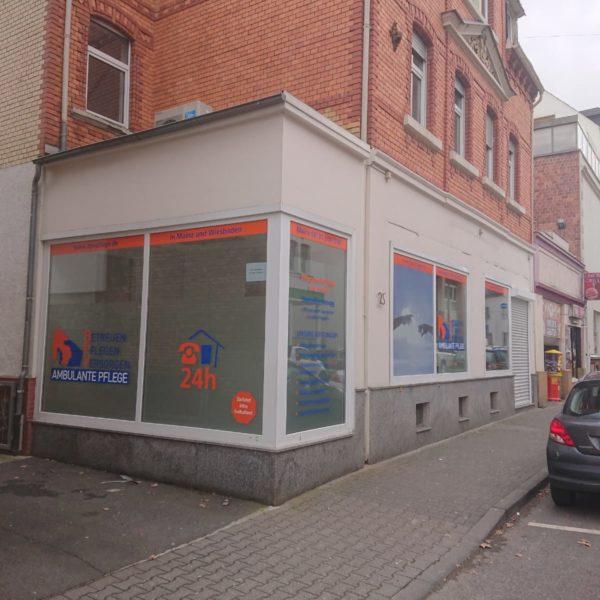 Schaufensterbeschriftung für BPV ambulante Pflege in Wiesbaden Biebrich