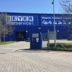 Großflächiges Fassadenbanner für Beyer Mietservice